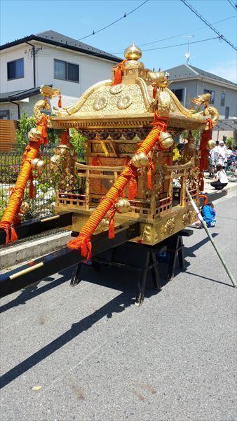 お祭り 神輿.jpg