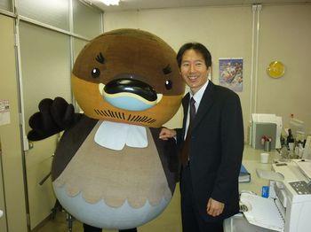 やすのおっさんカイツブリと2011年11月17日.jpg