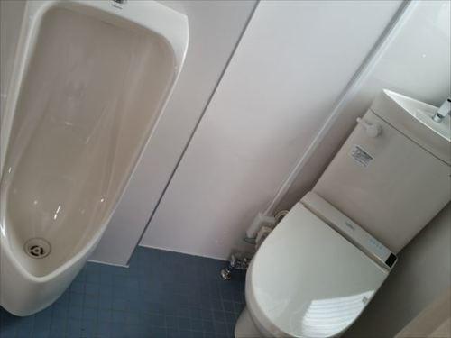 会社裏トイレ2.jpg