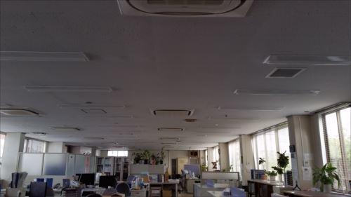 朝の社内.jpg